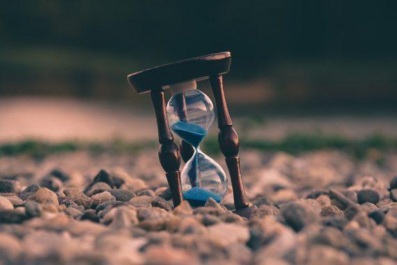 Viaggi nel tempo: violate le leggi della fisica per una frazione di secondo