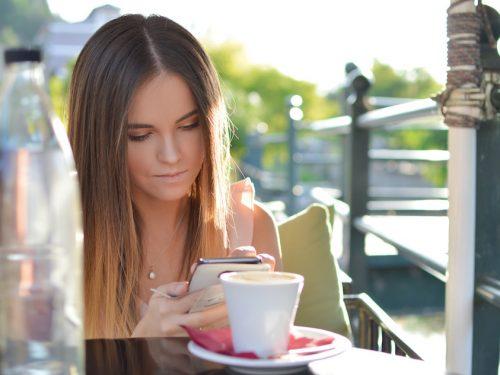 TIM sfida Vodafone: Iron X a 6,99 euro al mese per gli ex clienti