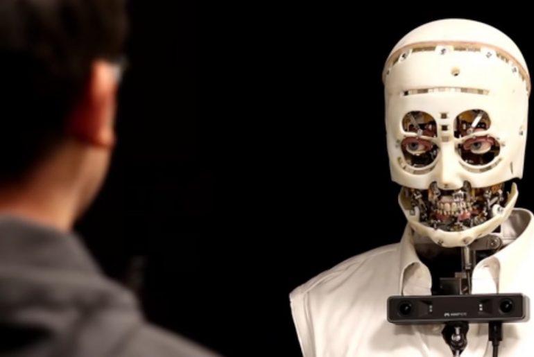 Gaze, il robot che replica le espressioni del volto umano